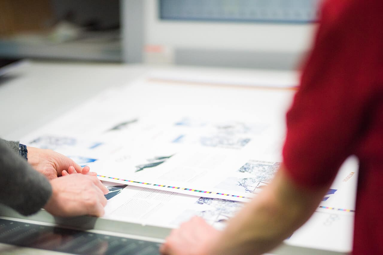 Farbverbindliche Drucke Kontrolle Qualität